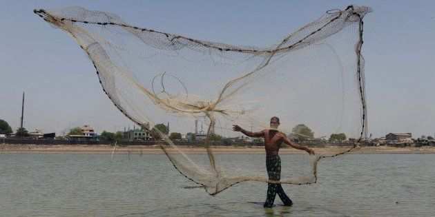Pakistan Arrests Over 100 Indian Fishermen Off Gujarat