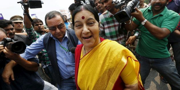 'Aap Suicide Mat Kijiye' Sushma Swaraj Responds To Distressed Woman On Twitter, Offers
