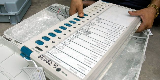 SC Issues Notice To Centre, EC On Plea Challenging Use Of EVMs Without Paper