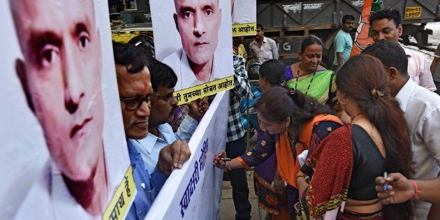 Signature campaign organised by BJP workers to support Kulbhushan