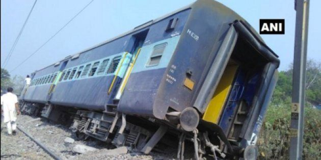Meerut-Lucknow Rajya Rani Express Derails In UP, Yogi Adityanath Announces