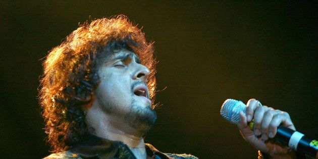 Muslim Leader Who Announced A Bounty To Shave Sonu Nigam's Head Is Neither An Imam Nor A Maulana: