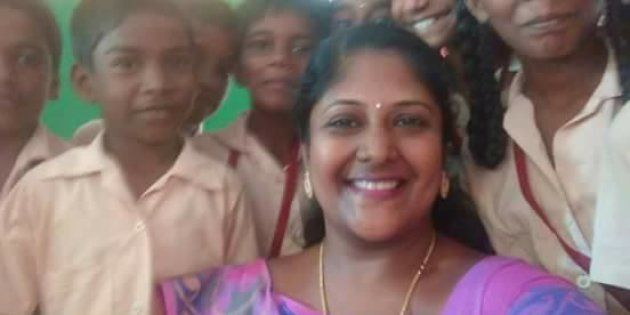This Govt. School Teacher In Tamil Nadu Sold Off Her Jewellery To Give Her Students A New