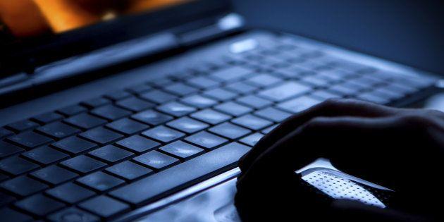 Sex on laptop
