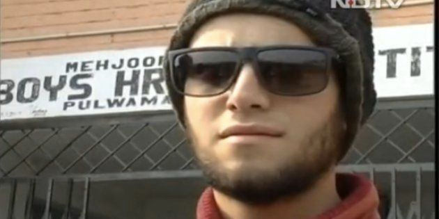 Kashmiri Teens Postpone Pellet Injury Surgeries To Study For Board