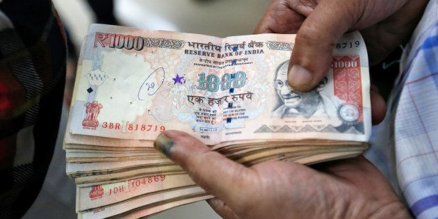 The Morning Wrap: Select Petrol Pumps To Dispense Cash; Arun Jaitley Firm On Demonetisation
