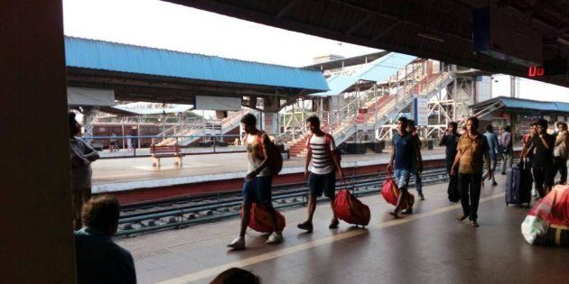 East Bengal Footballers Travel In Train's General Compartment Without Reservation To Keep