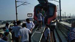 On Its First Public Run, Hundreds Left Stranded Inside Lucknow Metro After Technical