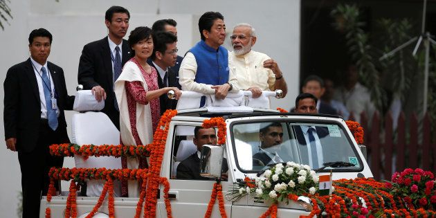 Modi, Abe Hold Road Show In Ahmedabad Amid Massive Show Of