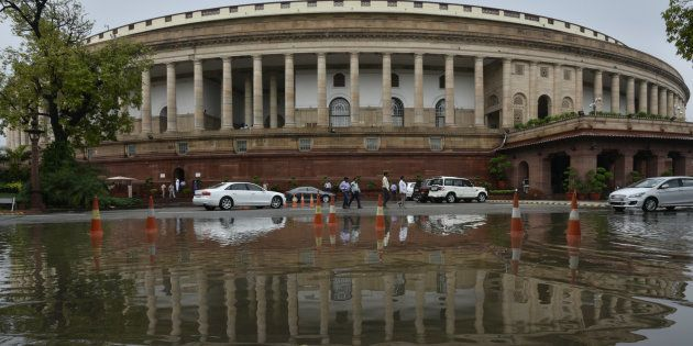 Seat Of Convicted Lawmakers Not Automatically Vacant, Centre Tells Supreme