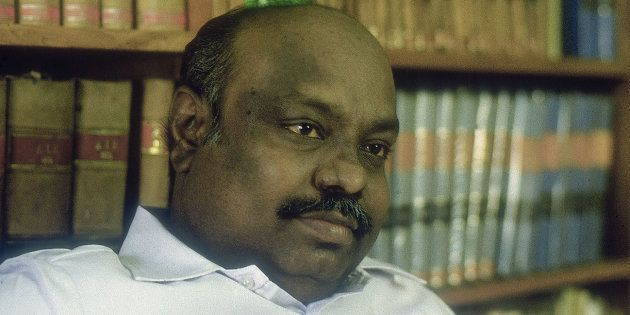 In A Stirring Allegation, Former Tamil Nadu Speaker Recalls Sasikala Wearing A 'James Bond