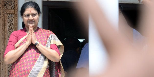The Morning Wrap: Sasikala On The Offensive; Indian Techie Shot Dead In The