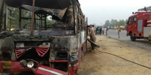 22 Dead, At Least 16 Injured As Bus Collides With Truck Near Uttar Pradesh's