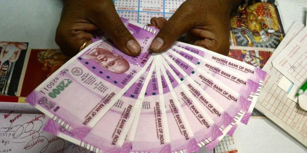 ₹1.40 Crore In New Currency Notes Seized In Mumbai, Three