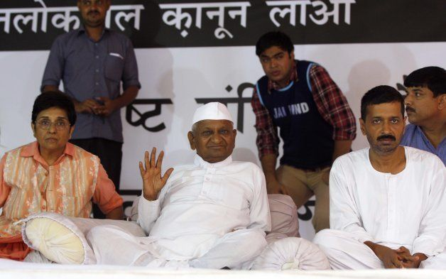 Anna Hazare, Arvind Kejriwal and Kiran Bedi during their dharna at Jantar Mantar on August 1,