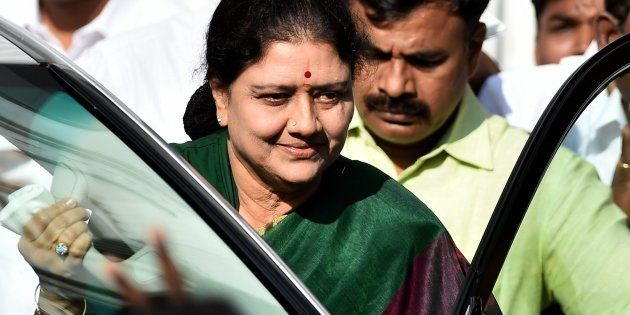 The Morning Wrap: Sasikala Fights Back; 2.54 Lakh Indians Die Due To Ozone