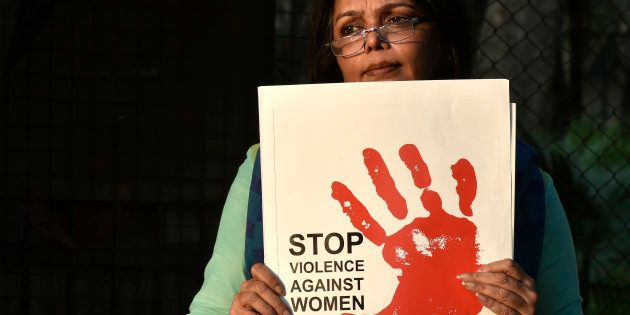India's Unspeakable Shame: Allegedly Gangraped Mother Takes The Metro With Her Dead
