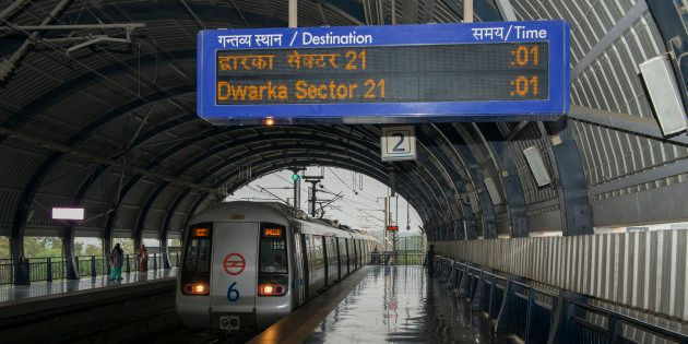10 Delhi Metro Stations To Go Cashless From 1 January