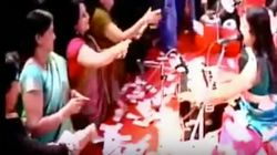 In Demonetised India, Gujarat Folk Singers Get Showered With ₹40