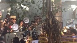 Students Put Delhi Police On The Spot During Spirited Protest Against Violence At Ramjas