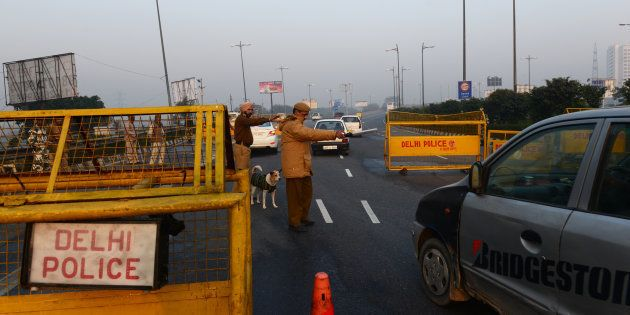 File photo of Delhi police at the border checking all the vehicles entering into the city from