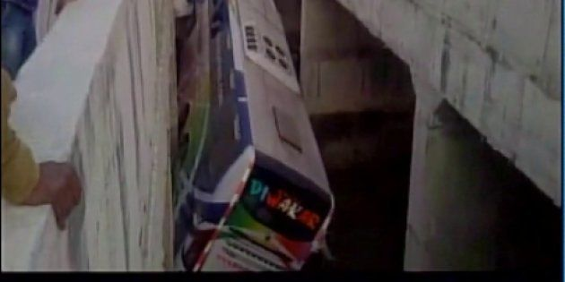 Seven Killed, 30 Injured After Bus Falls Into Canal In Andhra Pradesh's Krishna