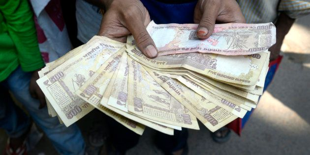 NRIs Need To Show Demonetised Notes To Custom Officials At