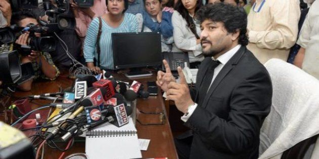 Babul Supriyo To File Defamation Case Against Tapas Pal For Dragging His Name Into The Chit Fund