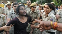 Students Say The Delhi Police's Lathi-charge On JNU Protesters Was A Planned
