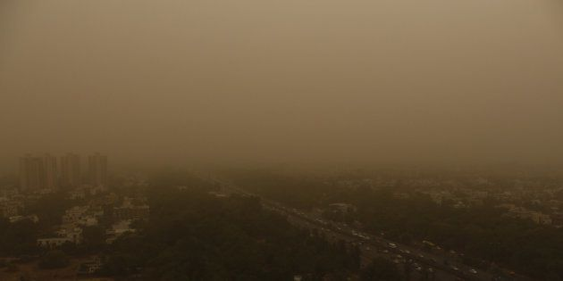 Delhi Chokes As Air Quality Reaches 'Hazardous' Category, Likely To Remain So This