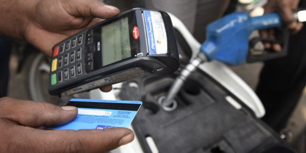 Petrol Pumps To Continue Accepting Credit/Debit Cards Even Post 13 Jan, Says Petroleum