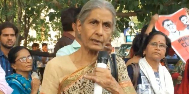 This 75-Year-Old Retired Lucknow University Prof. Has Been Schooling The RSS For