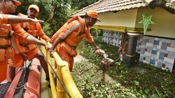Kerala Floods: Death Toll Nears 400 Even As Dozens Go