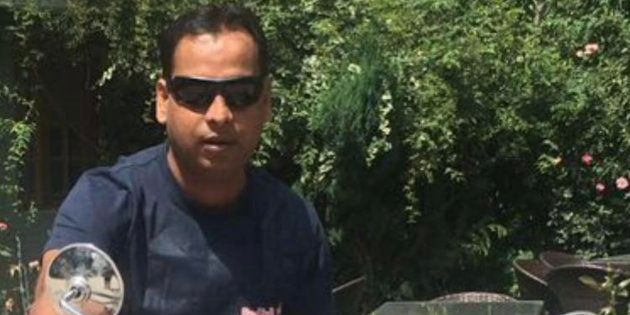 Apple Executive Killing: UP Cops Protest Arrest Of Colleague As Vivek Tiwari's Wife Fights For
