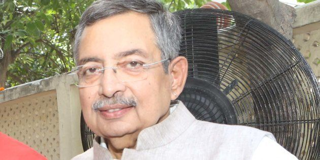 Vinod Dua in a file