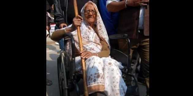 95-Year-Old Jal Devi, The Oldest Candidate, Files Her Nomination For UP Assembly