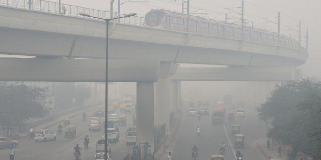 Heavy smog seen in New Delhi on November 5,