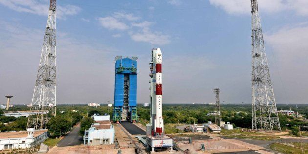 PSLVC43 carrying Indian satellite HysIS and 30