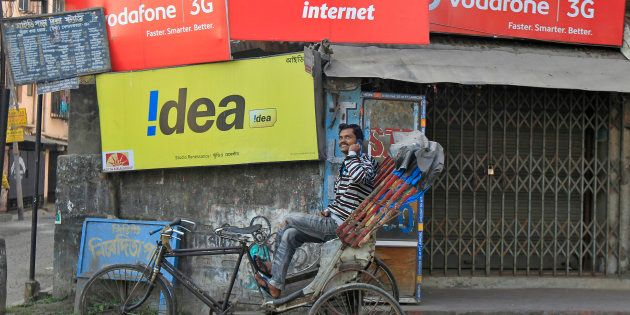 Reliance Jio Launch May Derail India's Largest Spectrum Auction: