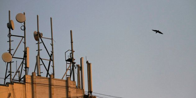 Two Thirds Of Airwaves Still Unsold As India's Spectrum Sale Gets Bids Worth ₹60,969