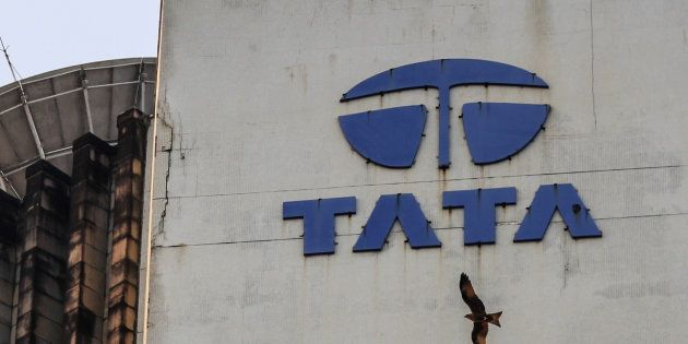 Tata Sons Takes Steps To Oust Cyrus Mistry, Nusli Wadia from Tata Motors'