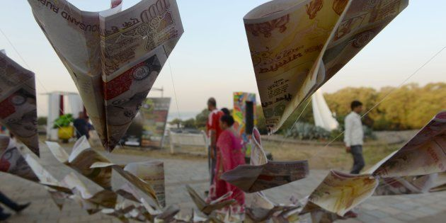 Demonetisation: Indian Rupee Hits Record Low Prompting Reserve Bank