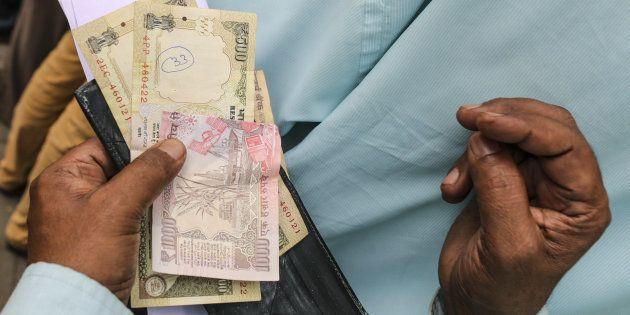Demonetisation: Jan Dhan Deposits Soar By Over ₹27,000 Crore Post Currency