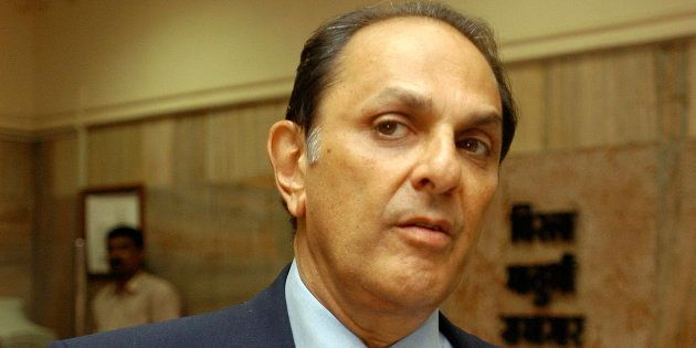 Nusli Wadia Voted Out Of Tata