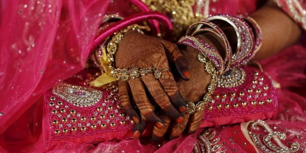 Gutsy 19-Year-Old Muslim Bride 'Divorces' Husband On Phone After