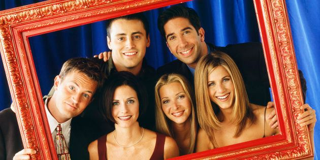 FRIENDS -- Pictured: (front l-r) Matthew Perry as Chandler Bing, Courteney Cox as Monica Geller, Lisa...