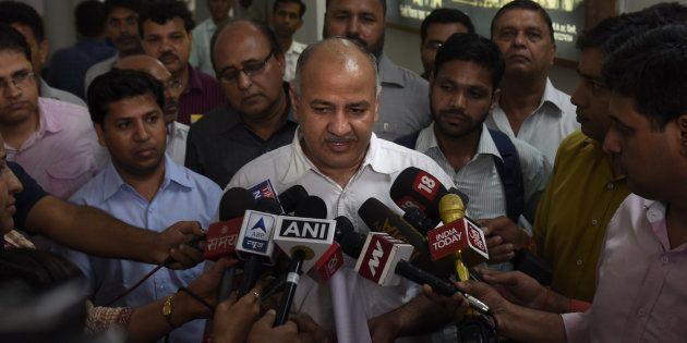 Ink-Attack On Manish Sisodia Outside LG Najeeb Jung's