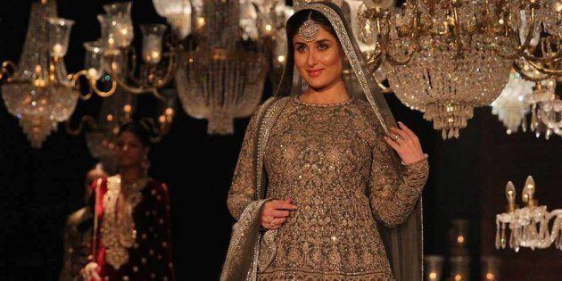Kareena Kapoor Looked Resplendent As Sabyasachi's Showstopper at LFW