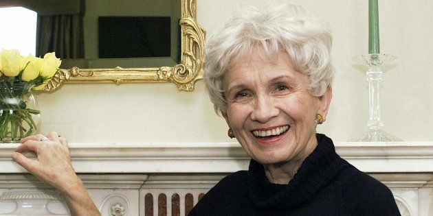 Alice Munro in 2013. (AP Photo/Paul Hawthorne,