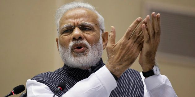 PM Modi Defends Demonetisation In His Monthly Address 'Mann Ki Baat', Asks India To Go